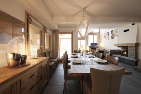Holiday in mountain resort 7 room triplex chalet 12 people (Myriel) - Le Hameau de Caseblanche - Saint Martin de Belleville - Table