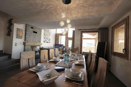 Holiday in mountain resort 7 room triplex chalet 12 people (Tawny) - Le Hameau de Caseblanche - Saint Martin de Belleville - Table