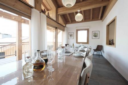 Holiday in mountain resort 8 room quadriplex chalet 14 people (Allium) - Le Hameau de Caseblanche - Saint Martin de Belleville - Table