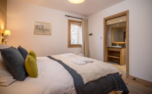 Holiday in mountain resort 8 room quadriplex chalet 14 people (Chanterella) - Le Hameau de Caseblanche - Saint Martin de Belleville - Double bed