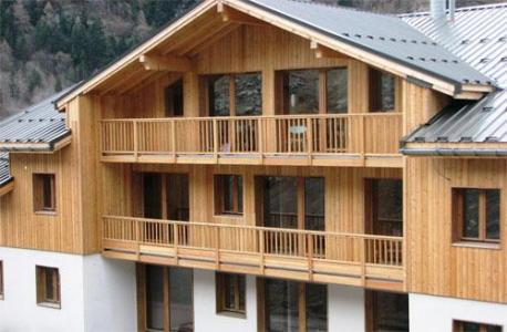 Location au ski Le Hameau Des Eaux D'orelle - Orelle - Extérieur été