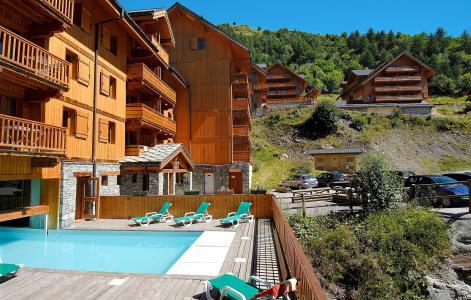 Location au ski Le Hameau et les Chalets de la Vallée d'Or - Valloire - Extérieur été
