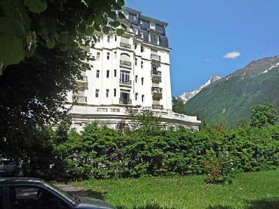 Rent in ski resort 2 room apartment 4 people (3) - Le Majestic - Chamonix - Summer outside