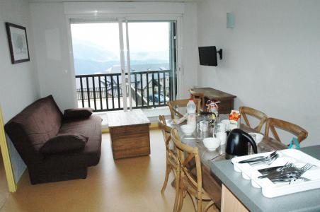 Holiday in mountain resort Les Adrets de Peyragudes - Peyragudes - Living room