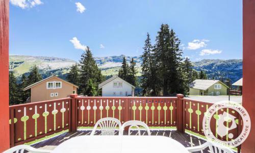 Wakacje w górach Domek górski 3 pokojowy 6 osób (Confort 70m²) - Les Chalets de Flaine Hameau - Maeva Home - Flaine - Na zewnątrz latem