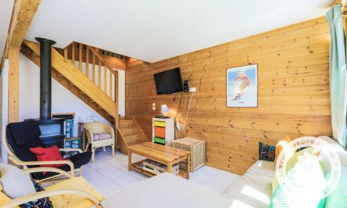 Wakacje w górach Domek górski 3 pokojowy na poddaszu  dla 8 osób (Confort 84m²) - Les Chalets de Flaine Hameau - Maeva Particuliers - Flaine - Piecem na drewno