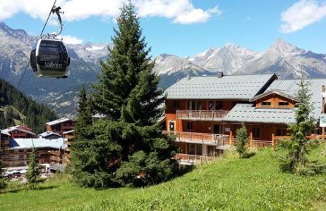 Location au ski Les Chalets De Florence - Valfréjus - Extérieur été
