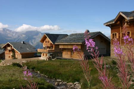 Vacances en montagne Les Chalets de l'Altiport - Alpe d'Huez - Extérieur été
