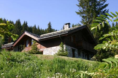 Vacances en montagne Les Chalets De La Tania - La Tania - Extérieur été