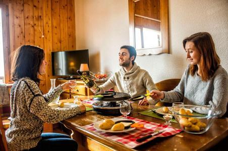 Vacances en montagne Les Chalets de Saint Sorlin - Saint Sorlin d'Arves - Table