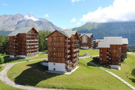 Rent in ski resort Les Chalets de SuperD Dauphinelle - Superdévoluy - Summer outside