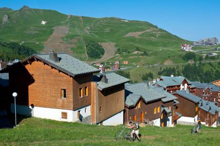Rent in ski resort Les Chalets des Alpages - La Plagne - Summer outside