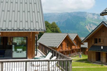 Location au ski Les Chalets Du Berger - La Féclaz - Extérieur été