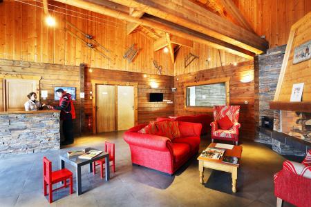 Vacances en montagne Les Chalets du Bois de Champelle - Morillon - Réception
