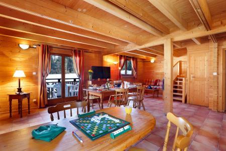 Vacances en montagne Les Chalets du Bois de Champelle - Morillon - Coin repas