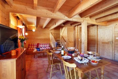Vacances en montagne Les Chalets du Bois de Champelle - Morillon - Salle à manger