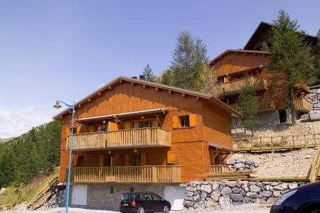 Vacances en montagne Les Chalets du Diva - Isola 2000 - Extérieur été