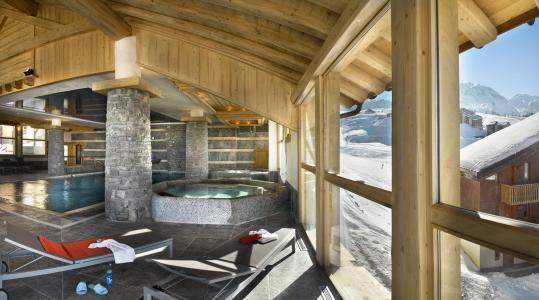 Vacances en montagne Les Granges du Soleil - La Plagne - Bain à remous