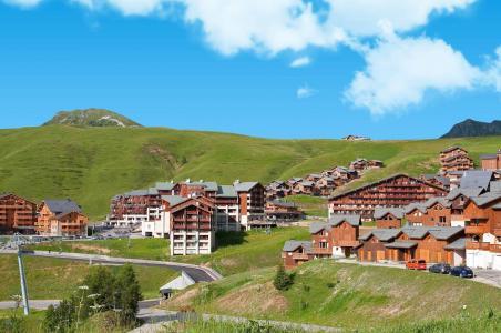 Vacances en montagne Les Lodges des Alpages - La Plagne - Extérieur été