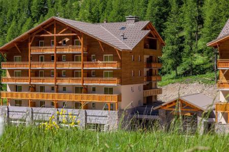 Location au ski Les Terrasses De Labrau - Val d'Allos - Extérieur été