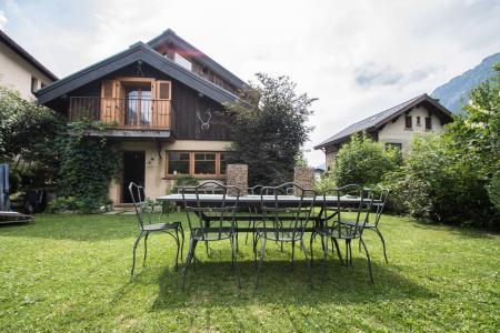Rent in ski resort 7 room cottage 8 people - Maison Alpie - Chamonix - Summer outside
