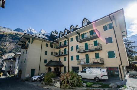 Location au ski Résidence Androsace - Chamonix - Extérieur été
