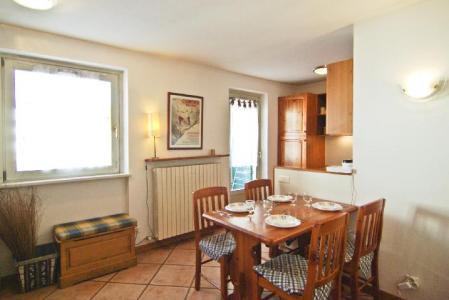 Vacances en montagne Appartement 2 pièces 4 personnes (rose) - Résidence Androsace - Chamonix - Table