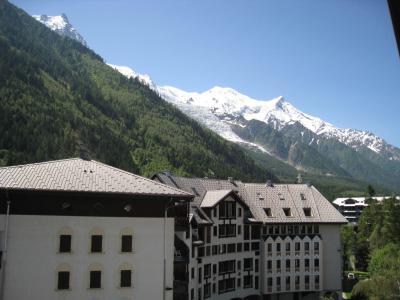 Rent in ski resort Studio mezzanine 4 people (La Poya) - Résidence Bâtiment B - Chamonix - Summer outside
