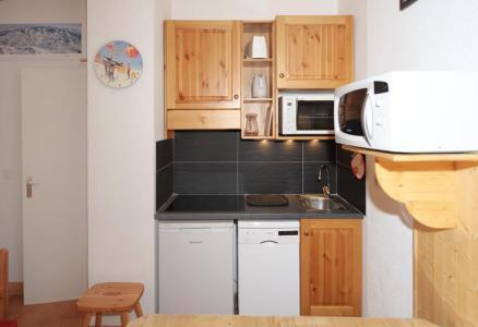 Vacances en montagne Studio cabine 4 personnes (081) - Résidence Carlines II - Les Menuires - Kitchenette