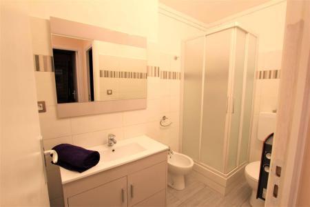 Vacances en montagne Appartement 2 pièces cabine 5 personnes (A306) - Résidence Central Parc 1a - Serre Chevalier - Douche