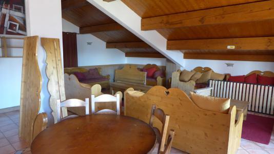 Vacances en montagne Chalet 13 pièces 32 personnes (Arc en Ciel) - Résidence Chalet des Neiges Arolles - Les Arcs - Table