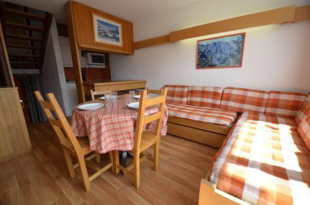 Vacances en montagne Appartement triplex 3 pièces 7 personnes (835) - Résidence Challe - Les Menuires - Séjour