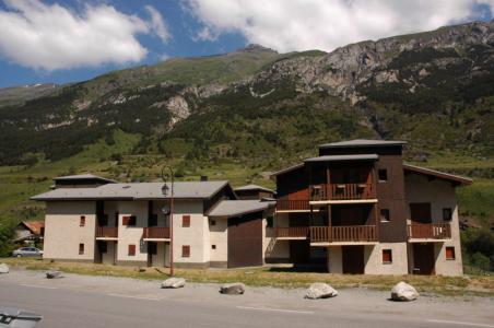 Vacances en montagne Résidence Chevallier - Val Cenis - Extérieur été