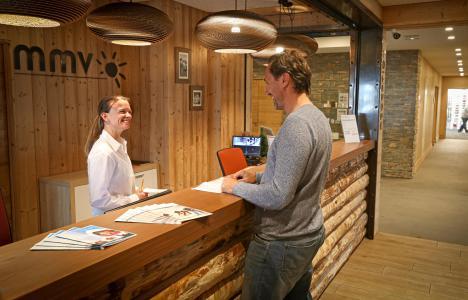 Vacances en montagne Résidence Club MMV le Coeur des Loges - Les Menuires - Réception