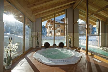 Vacances en montagne Résidence Club MMV le Hameau des Airelles - Montgenèvre - Bain à remous