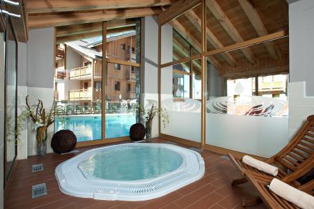 Vacances en montagne Résidence Club MMV le Hameau des Airelles - Montgenèvre - Jacuzzi