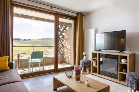 Vacances en montagne Résidence Club MMV Les Chalets des Cîmes - Les Saisies - Porte-fenêtre donnant sur balcon