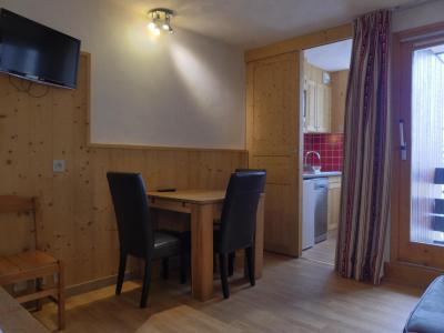 Vacances en montagne Appartement 2 pièces 4 personnes (A19) - Résidence Creux de l'Ours Rouge - Méribel-Mottaret - Table
