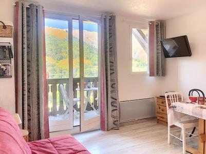 Holiday in mountain resort 2 room apartment 4 people (B1) - Résidence Dahlia - Saint Martin de Belleville - Living room