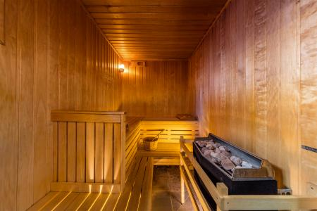 Holiday in mountain resort Résidence Deneb - Risoul - Sauna