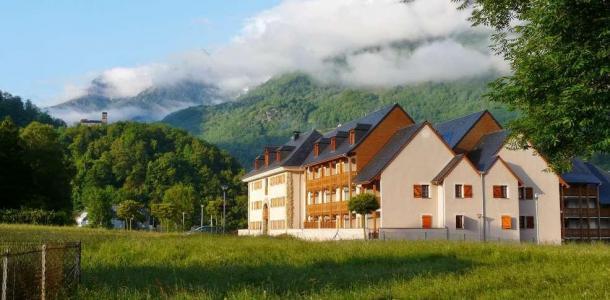 Rent in ski resort Résidence Domaine du Val de Roland - Luz Ardiden - Summer outside