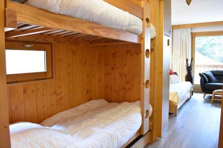 Holiday in mountain resort Studio sleeping corner 4 people - Résidence Eperonnelles - Méribel - Bed-settee