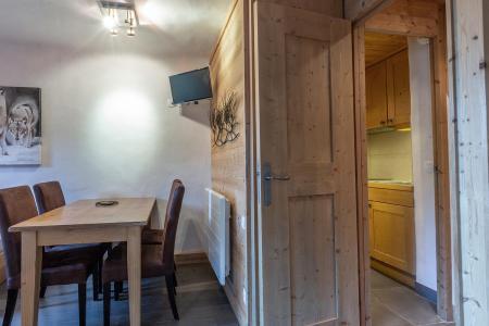 Vacances en montagne Studio 4 personnes (I03) - Résidence l'Arc en Ciel - Méribel-Mottaret - Table