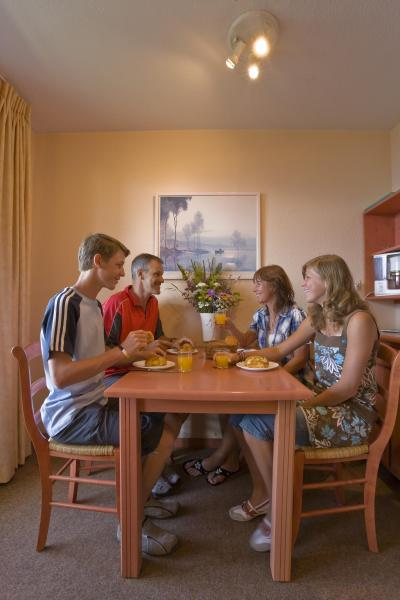 Vacances en montagne Résidence l'Ecrin d'Huez - Alpe d'Huez - Salle à manger