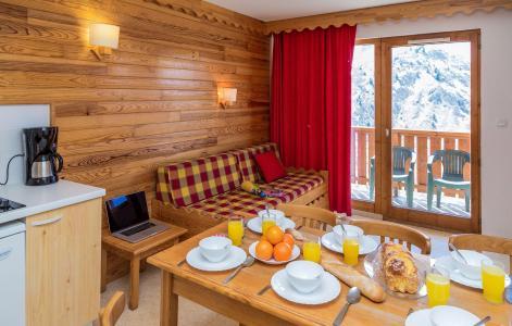 Vacances en montagne Résidence l'Ecrin des Neiges - Valmeinier - Table