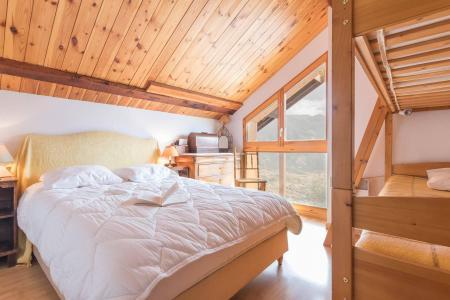 Vacances en montagne Appartement 4 pièces mezzanine 12 personnes - Résidence la Clé des Champs - Serre Chevalier - Chambre mansardée