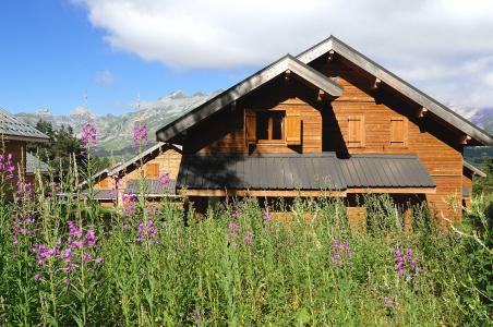 Location au ski Résidence la Crête du Berger - La Joue du Loup - Extérieur été
