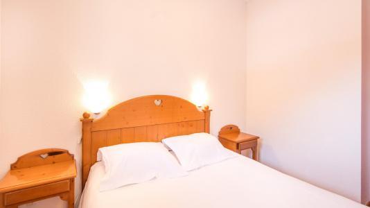 Holiday in mountain resort Résidence la Turra - Valfréjus - Bedroom