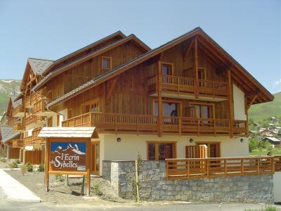 Vacances en montagne Résidence Lagrange l'Ecrin des Sybelles - La Toussuire - Extérieur été