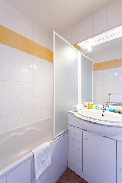 Holiday in mountain resort Résidence Lagrange l'Orée des Cimes - Les Angles - Bath-tub